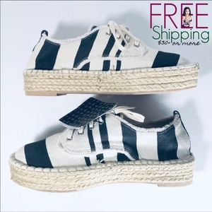 Platform Shoes Sneakers Black and White
